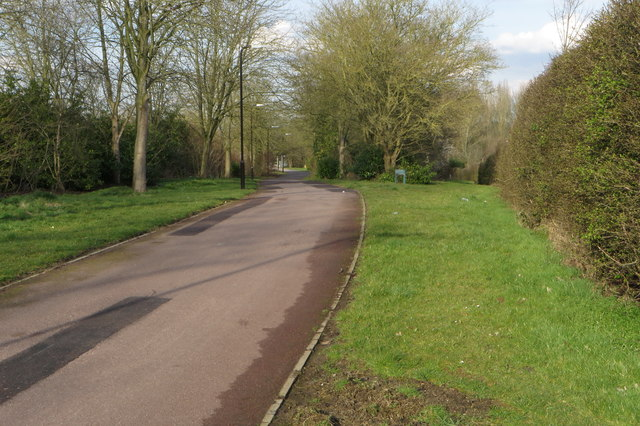 Footpath towards the canal