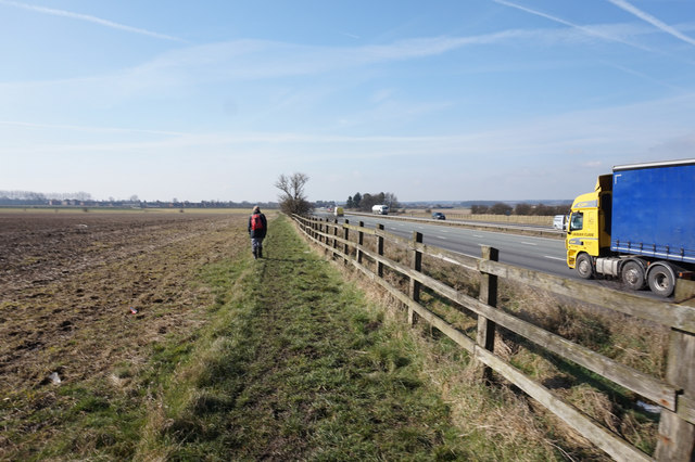 Path alongside the M180 towards Brigg