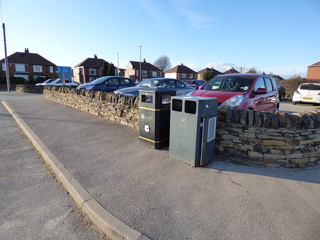 Ardsley Reservoir: litter bins