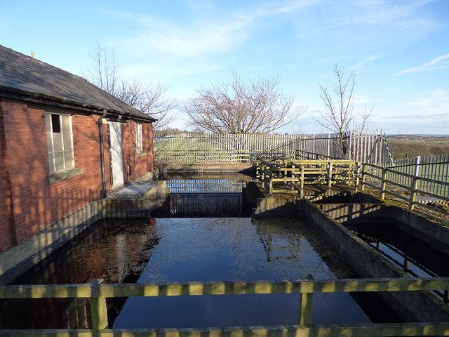 Ardsley Reservoir: inlet weir