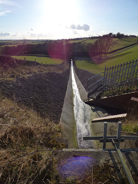 Ardsley Reservoir: spillway