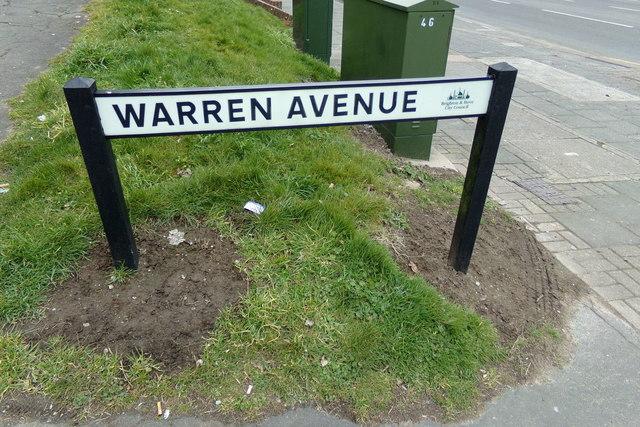 Warren Avenue sign