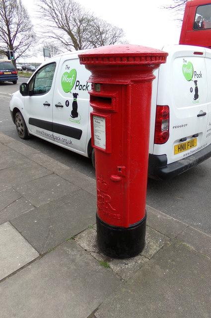 Warren Road Postbox
