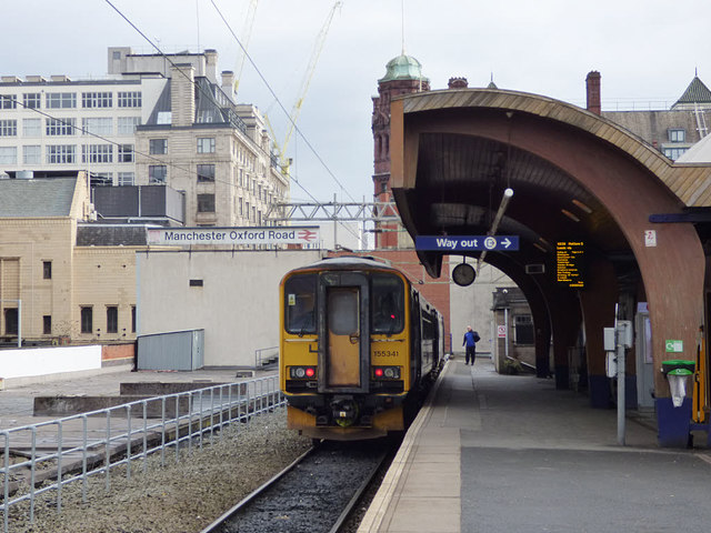 Oxford Road station - arrival from Leeds