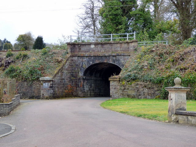 Railway arch at Eastbank Lodge