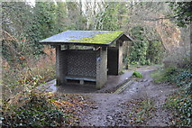 SX9364 : Shelter by South West Coast Path (Bishop's Walk) by N Chadwick