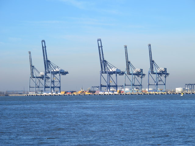 The River Medway by the container terminal on the Isle of Grain (2)