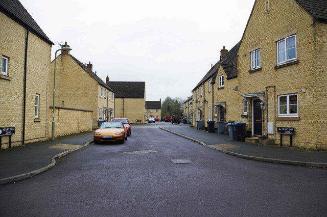 Henry Box Close, Witney, Oxon