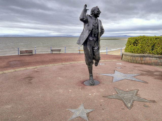 Картинки по запросу british tourist seaside