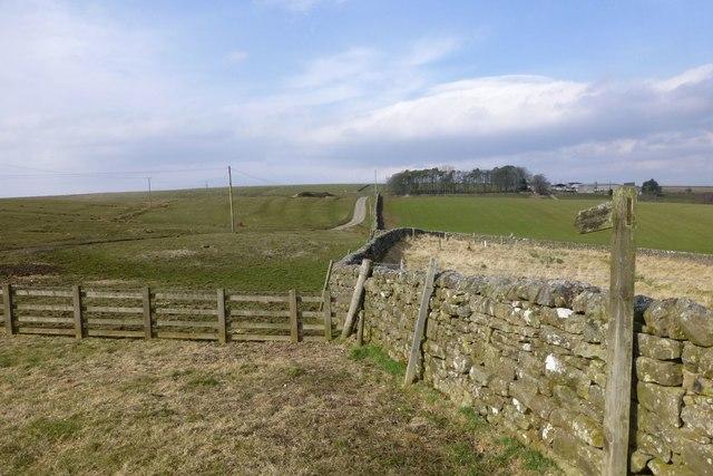 Public bridleway to The Brigg