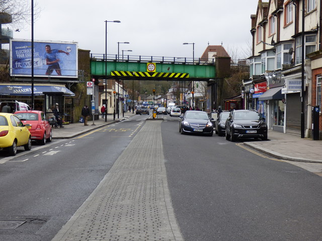 Coulsdon: Brighton Road, looking south