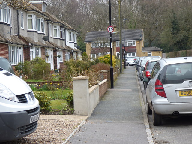Coulsdon Common:  Old Fox Close