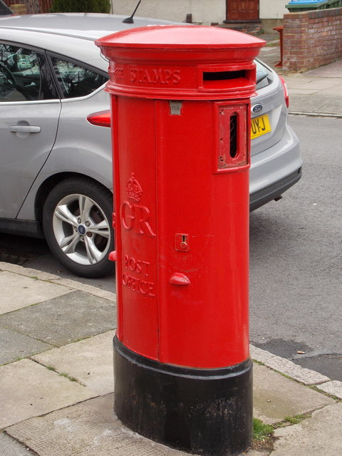 Plumstead: postbox № SE18 73, Flaxton Road