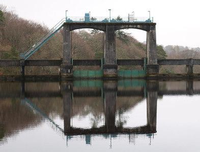 NX6182 : Earlstoun Dam by Billy McCrorie