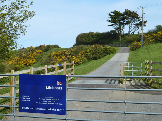 The way to the lifeboat station