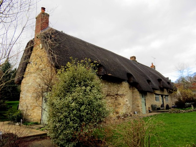Thatched cottage on Blenheim Road