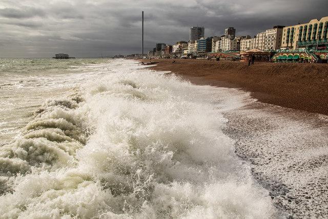 Heavy waves at Brighton Beach