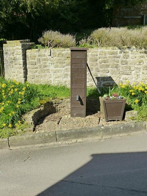 Village pump, Keyham