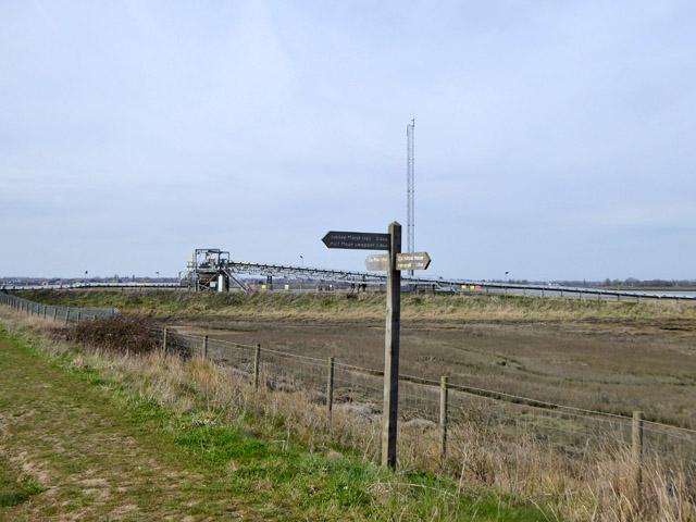 Footpath junction, Wallasea Island