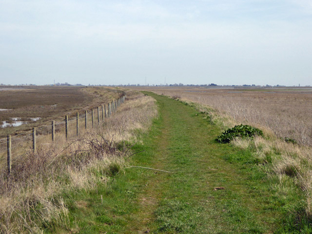 New sea wall, Wallasea Island