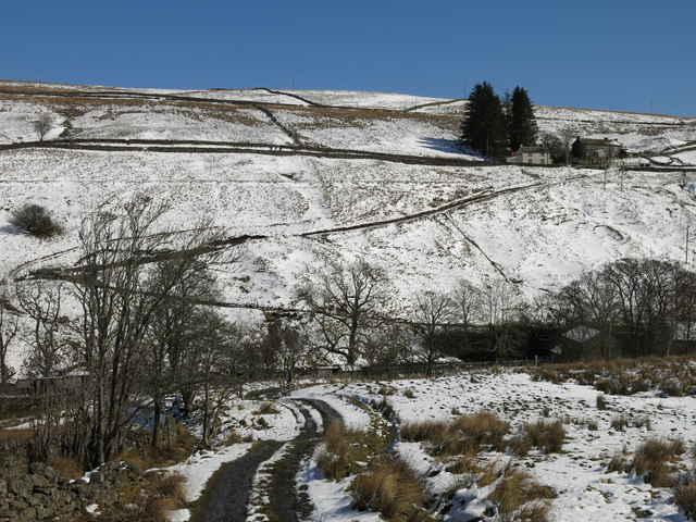 The valley of Killhope Burn around Low Allers