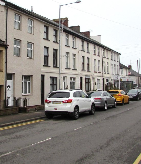 Row of three storey houses, New Inn