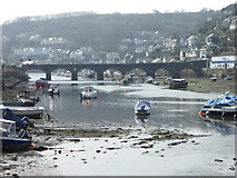 SX2553 : The bridge between East and West Looe at low tide by Rod Allday