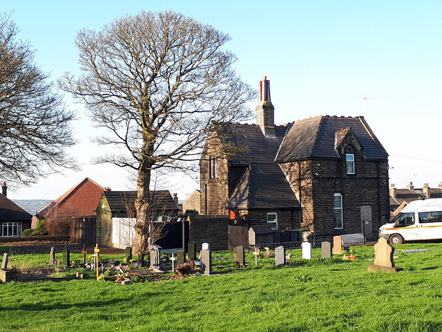 Pudsey Cemetery - former lodge