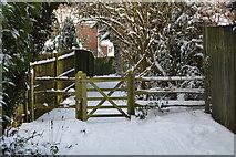 TQ5840 : Gated path by N Chadwick