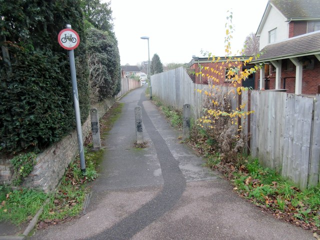 Footpath to Hatherleigh Road
