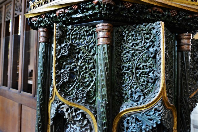 Launceston, St. Mary Magdalene's Church: The early c16th pulpit 4