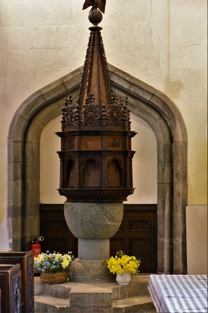 Launceston, St. Mary Magdalene's Church: The medieval font and c17th cover