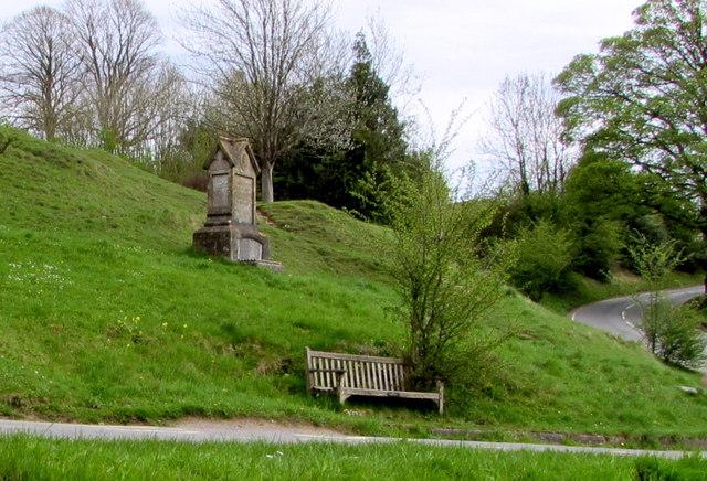 Silver Jubilee bench and Diamond Jubilee memorial, Amberley