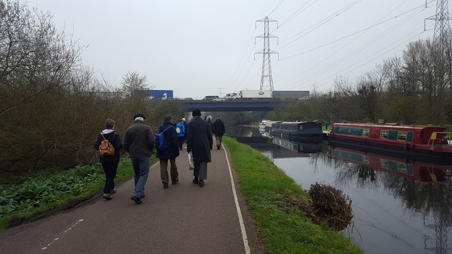 M25 from Path by the River Lee Navigation