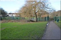 TQ2063 : Footbridge, London Loop by N Chadwick