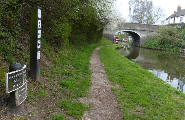 Milepost at Wheaton Aston