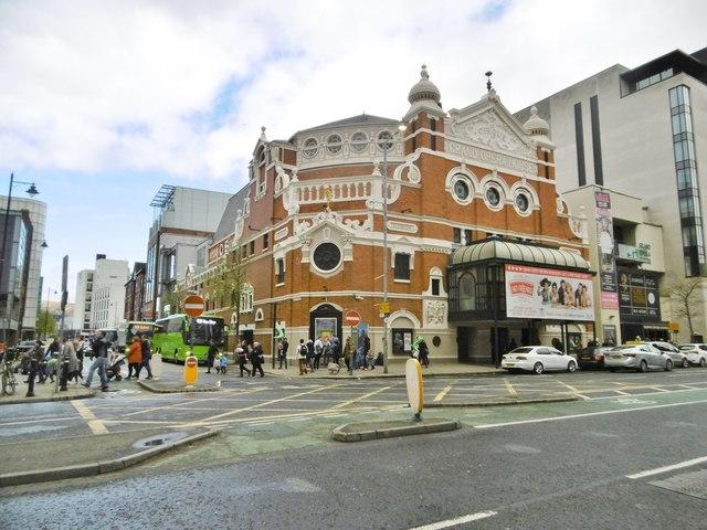 Belfast, Grand Opera House