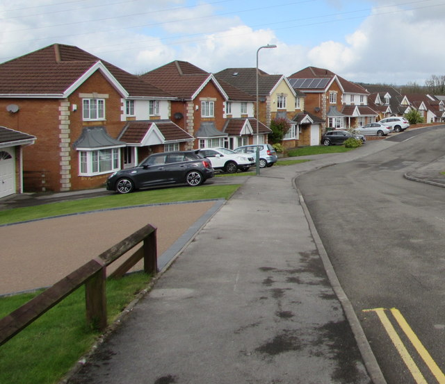 Bramblewood Court houses, Pengam by Jaggery