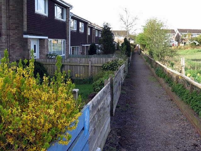 Footpath behind houses on Dene Road, Wylam