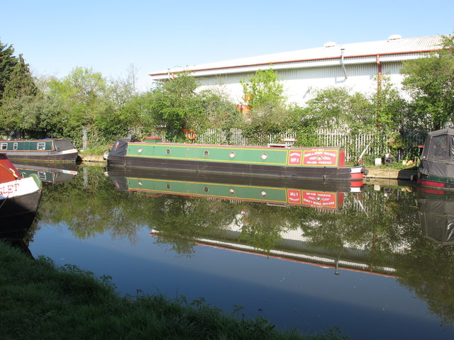 """""""Iquitos"""" narrowboat on Grand Union Canal"""