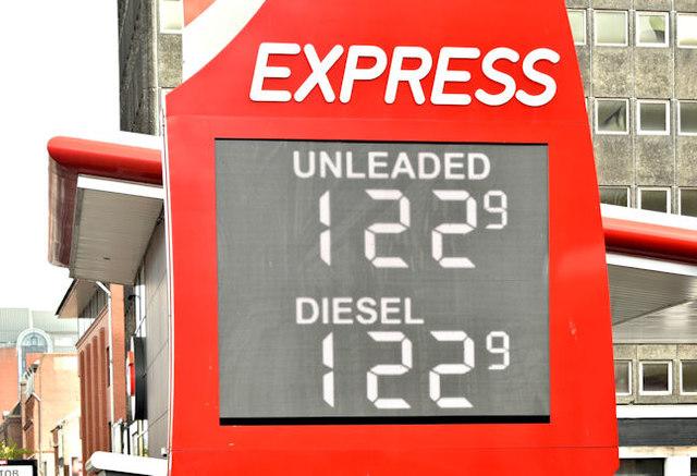 Fuel prices sign, Belfast (29 April 2018)