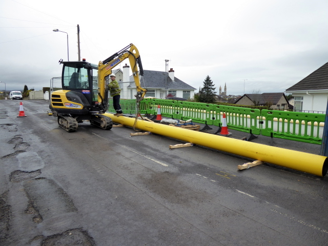 Moving a section of gas pipeline, Omagh