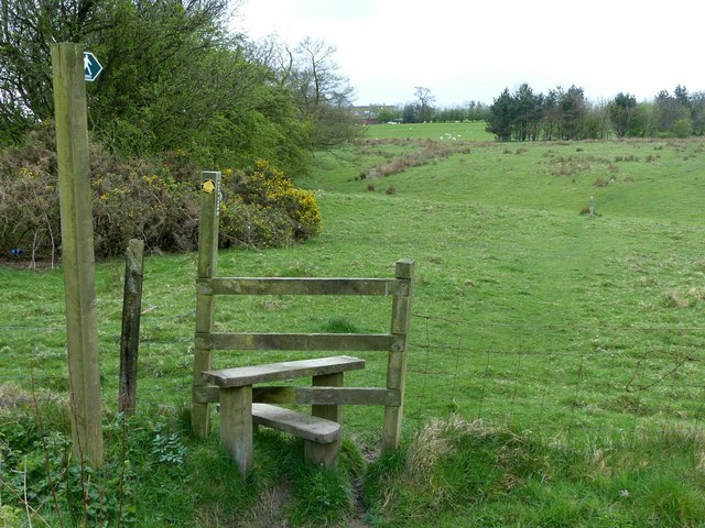 Footpath to Backridges Farm