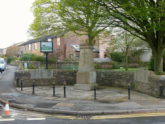 Sutton Lane Ends, War memorial and village sign