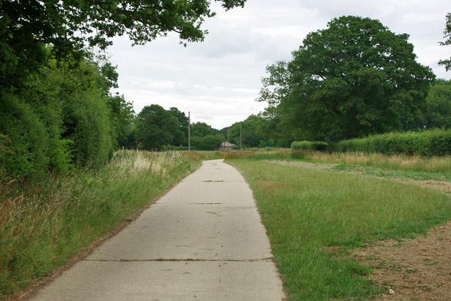 Farm road from Parkhouse Farm