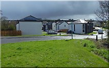 NS3980 : New housing in Dalmonach by Lairich Rig