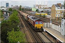 TQ2976 : Battersea Backdrop by Martin Addison