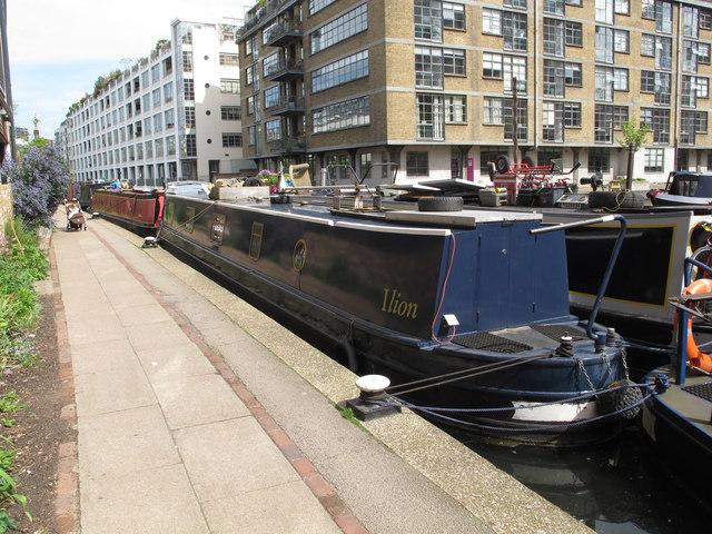 """Ilion"", narrowboat on Regent's Canal, Hackney"