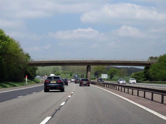 The M40 runs under Long Lane
