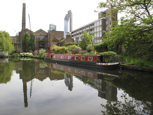 """Angel II of Islington"", narrowboat moored near City Road Lock"